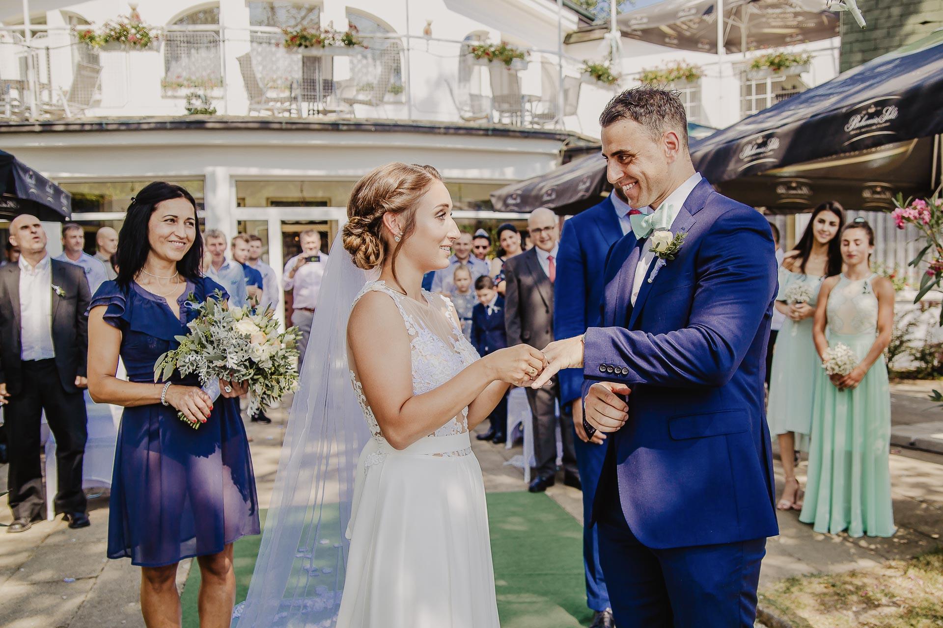 svatební fotograf hotel Ostrov Nymburk, svatební video-51