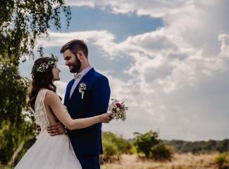 svatební fotograf Kochánky, cirkevní obřad, přírodní boho svatba-110