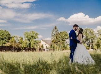 svatební fotograf Kochánky, cirkevní obřad, přírodní boho svatba-117