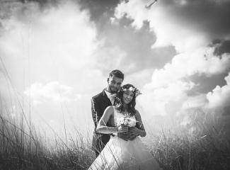 svatební fotograf Kochánky, cirkevní obřad, přírodní boho svatba-127