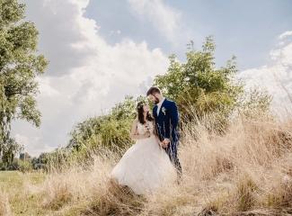 svatební fotograf Kochánky, cirkevní obřad, přírodní boho svatba-130