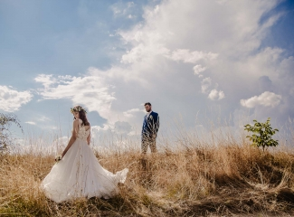 svatební fotograf Kochánky, cirkevní obřad, přírodní boho svatba-146