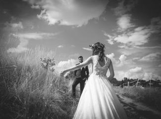 svatební fotograf Kochánky, cirkevní obřad, přírodní boho svatba-148