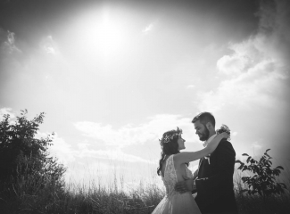 svatební fotograf Kochánky, cirkevní obřad, přírodní boho svatba-151