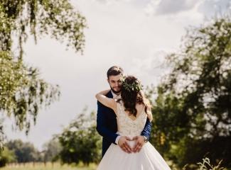 svatební fotograf Kochánky, cirkevní obřad, přírodní boho svatba-154