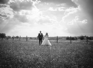 svatební fotograf Kochánky, cirkevní obřad, přírodní boho svatba-179