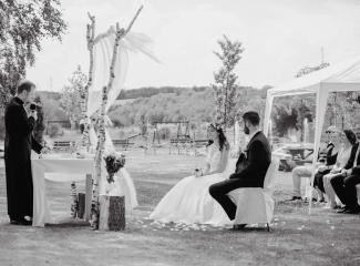svatební fotograf Kochánky, cirkevní obřad, přírodní boho svatba-26