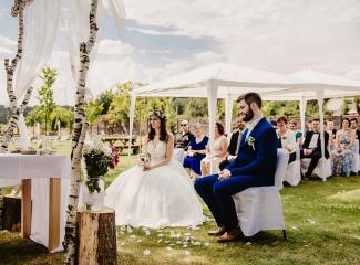 svatební fotograf Kochánky, cirkevní obřad, přírodní boho svatba-33