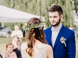 svatební fotograf Kochánky, cirkevní obřad, přírodní boho svatba-44
