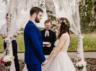 svatební fotograf Kochánky, cirkevní obřad, přírodní boho svatba-45