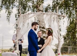 svatební fotograf Kochánky, cirkevní obřad, přírodní boho svatba-47