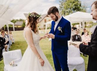 svatební fotograf Kochánky, cirkevní obřad, přírodní boho svatba-52