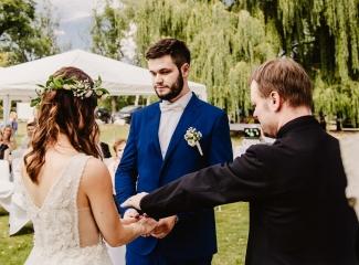 svatební fotograf Kochánky, cirkevní obřad, přírodní boho svatba-55