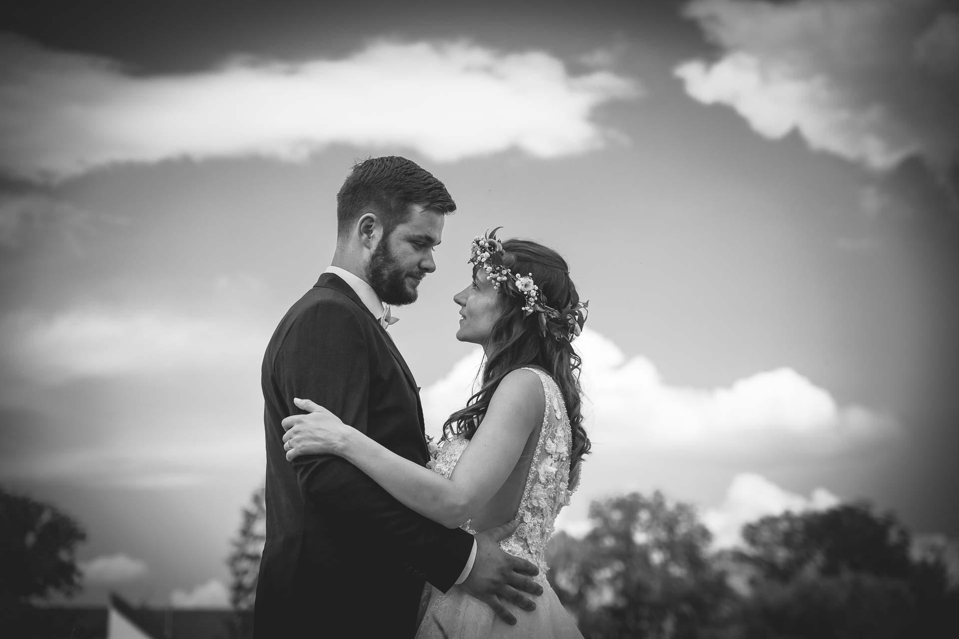 svatební fotograf Kochánky, cirkevní obřad, přírodní boho svatba-119