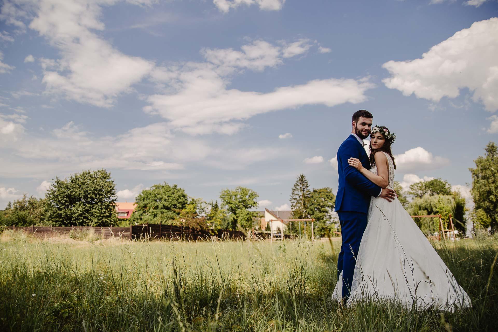 svatební fotograf Kochánky, cirkevní obřad, přírodní boho svatba-122