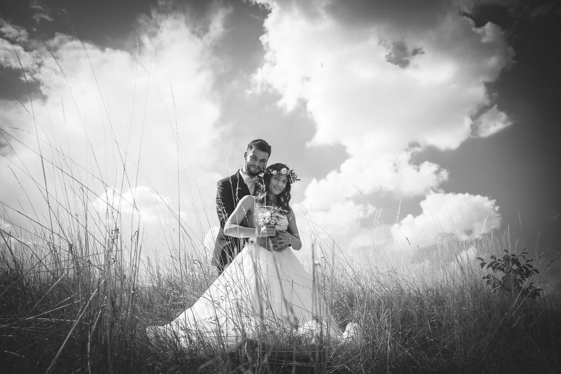 svatební fotograf Kochánky, cirkevní obřad, přírodní boho svatba-129