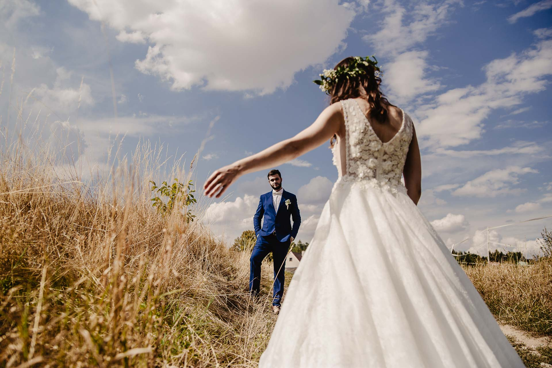 svatební fotograf Kochánky, cirkevní obřad, přírodní boho svatba-147