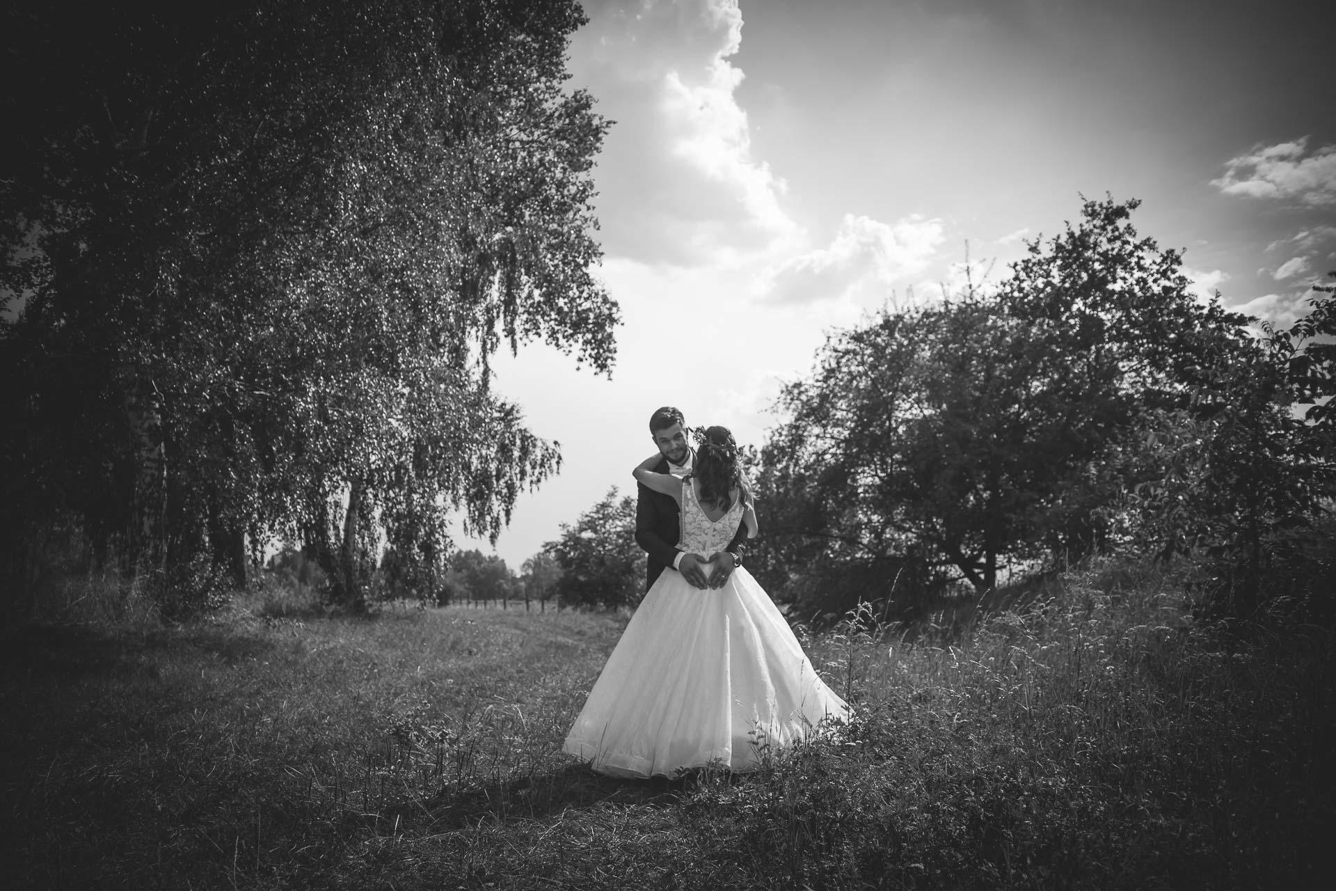 svatební fotograf Kochánky, cirkevní obřad, přírodní boho svatba-152