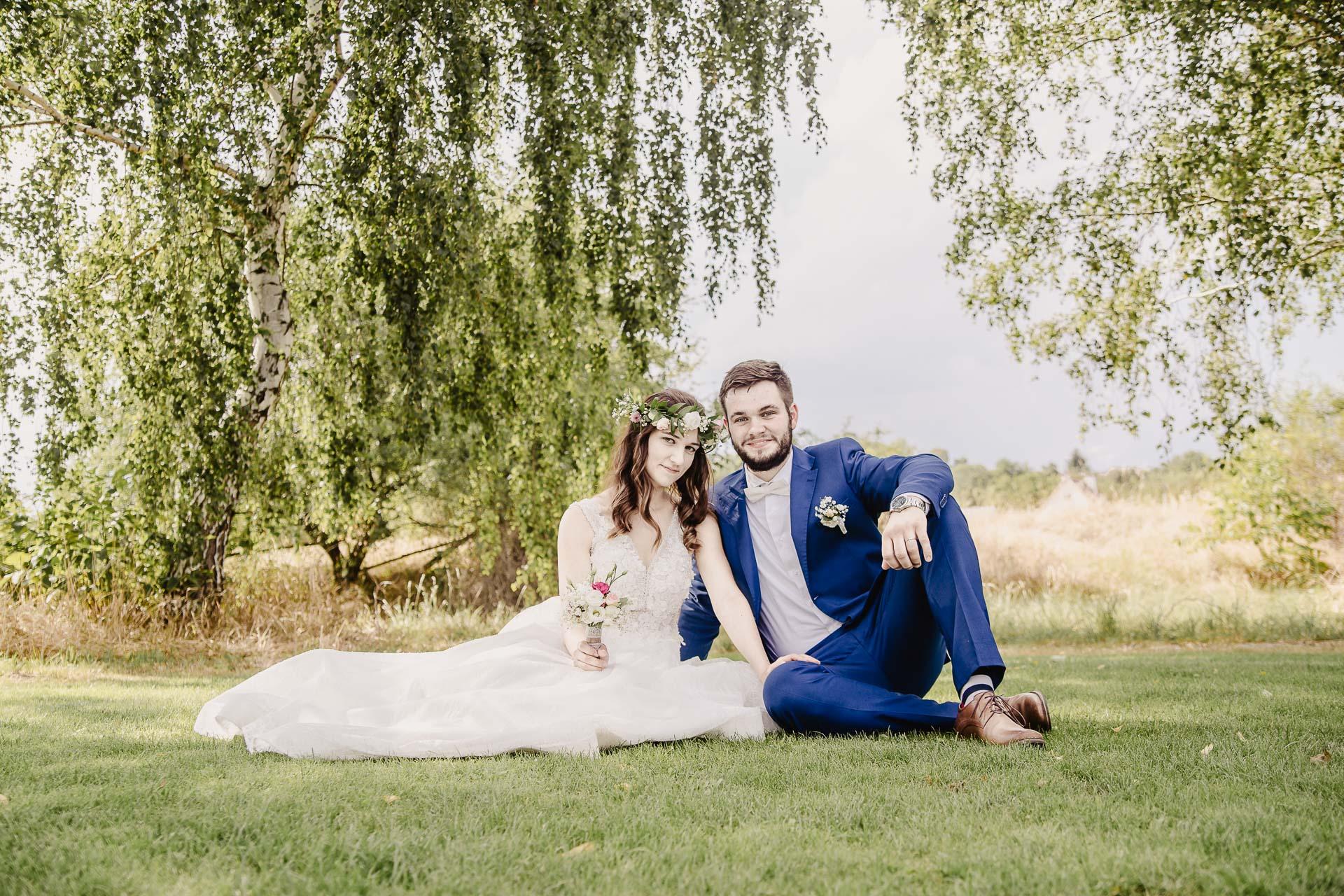 svatební fotograf Kochánky, cirkevní obřad, přírodní boho svatba-157