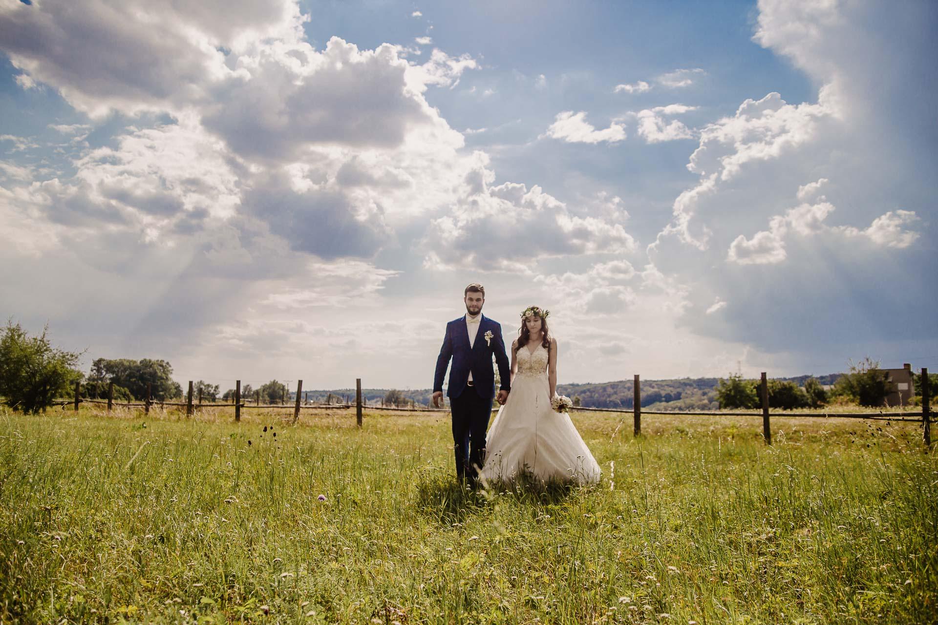 svatební fotograf Kochánky, cirkevní obřad, přírodní boho svatba-181