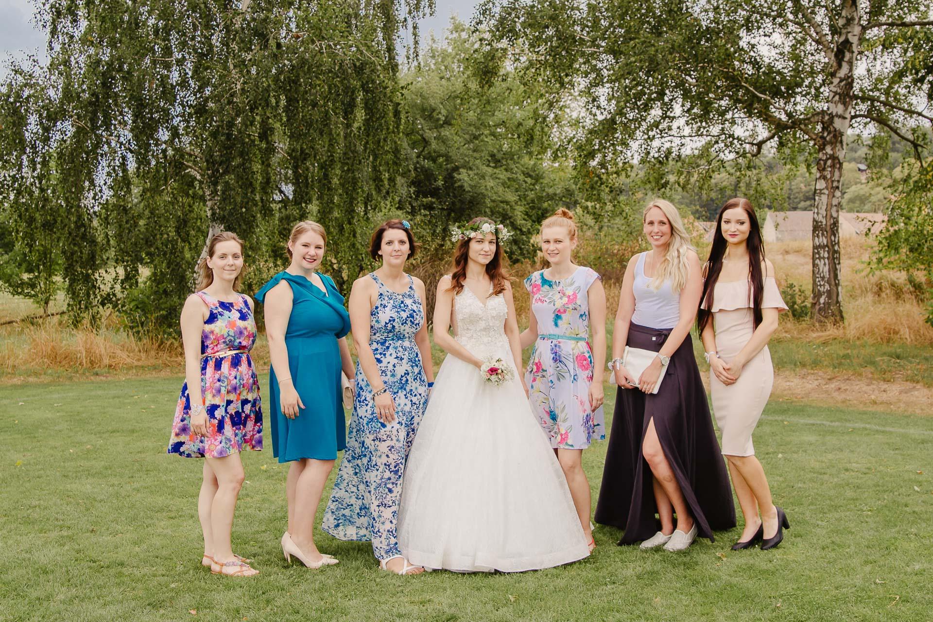 svatební fotograf Kochánky, cirkevní obřad, přírodní boho svatba-187