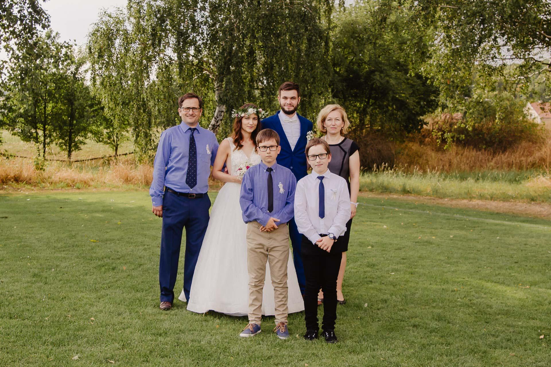 svatební fotograf Kochánky, cirkevní obřad, přírodní boho svatba-204