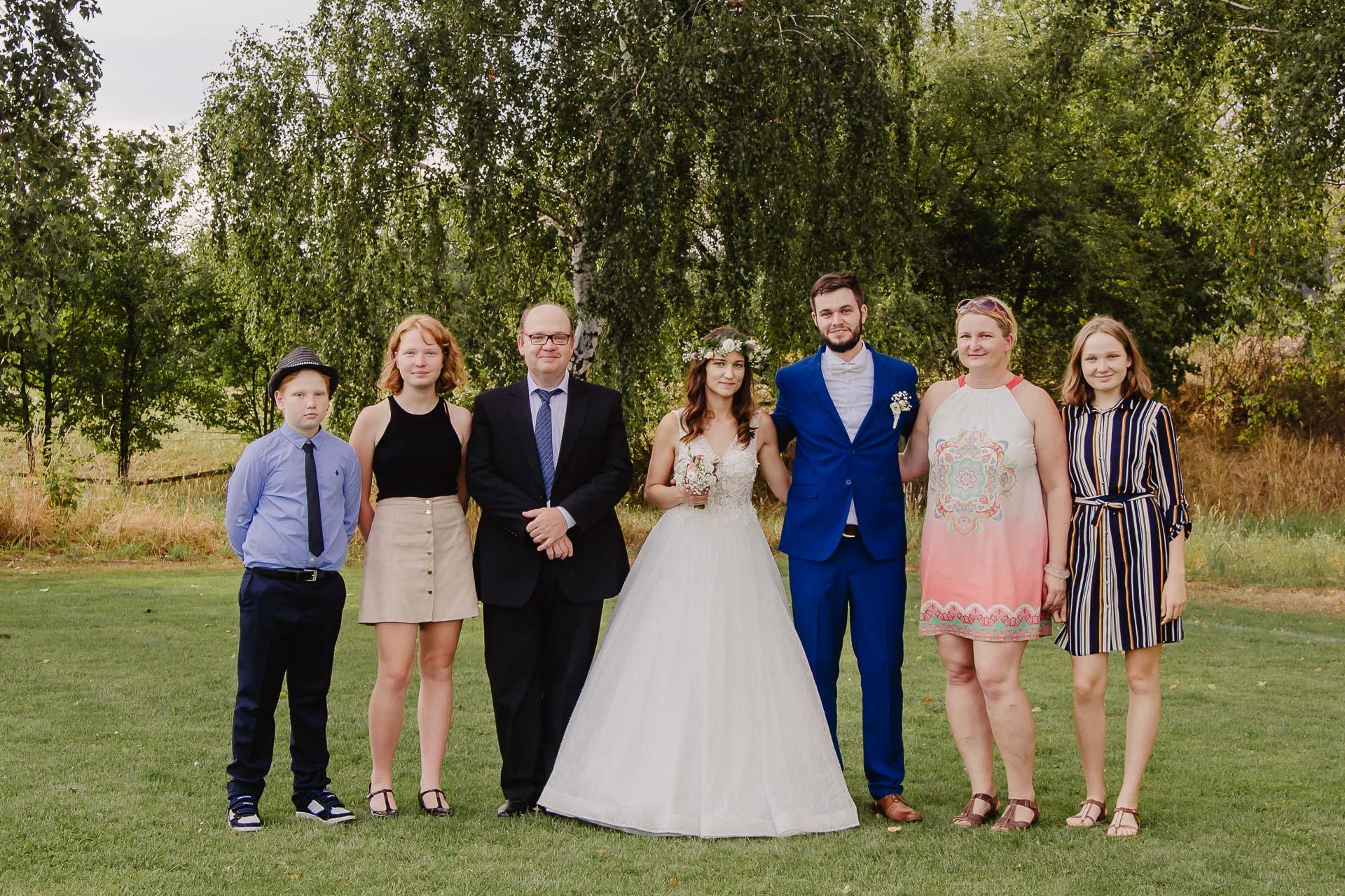 svatební fotograf Kochánky, cirkevní obřad, přírodní boho svatba-205