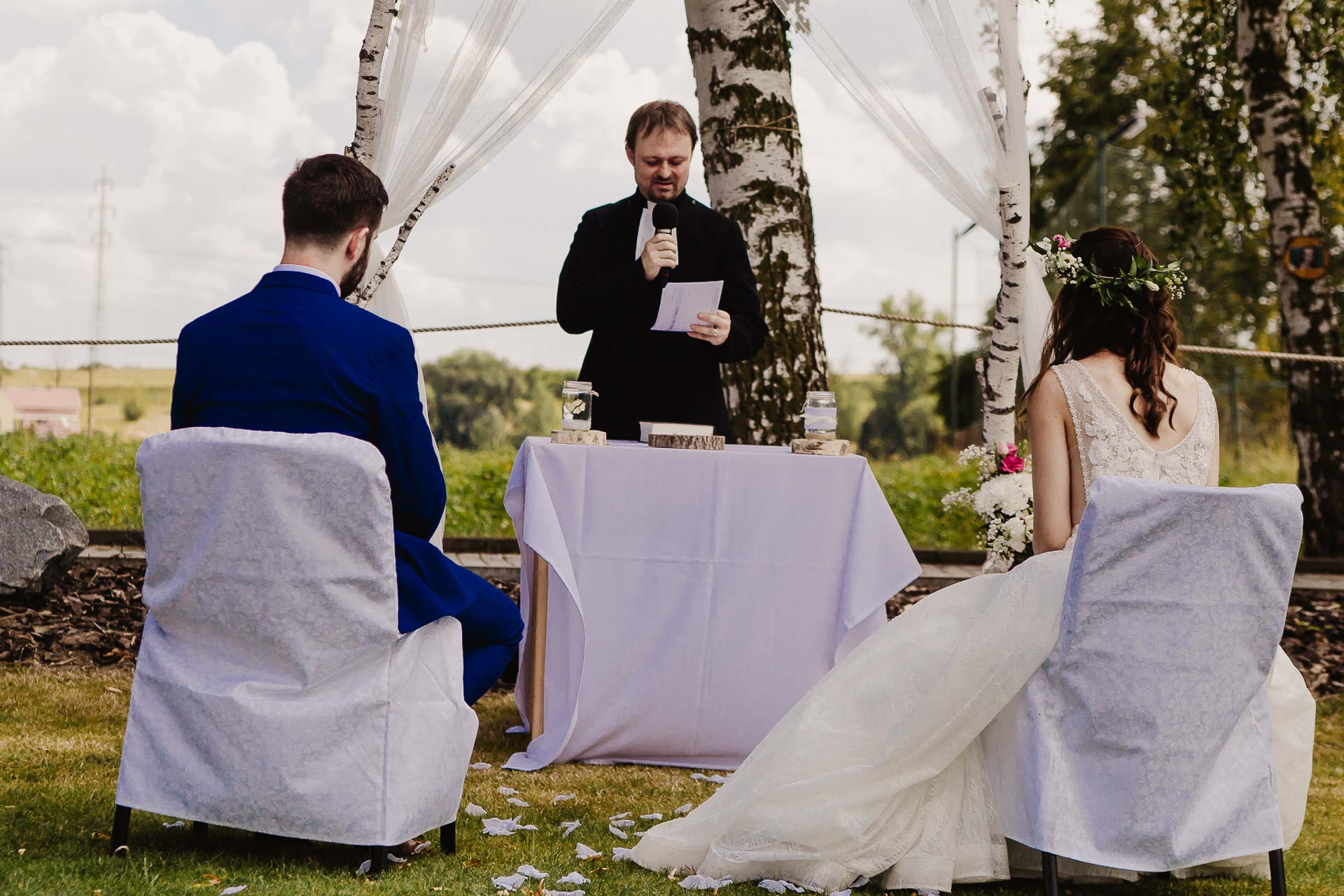 svatební fotograf Kochánky, cirkevní obřad, přírodní boho svatba-31