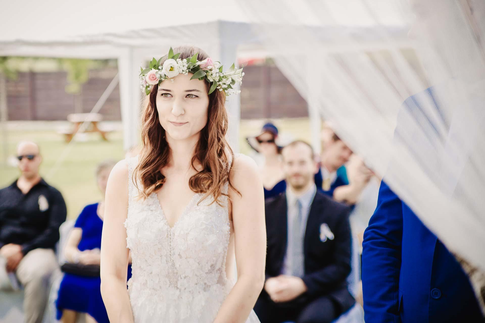 svatební fotograf Kochánky, cirkevní obřad, přírodní boho svatba-38