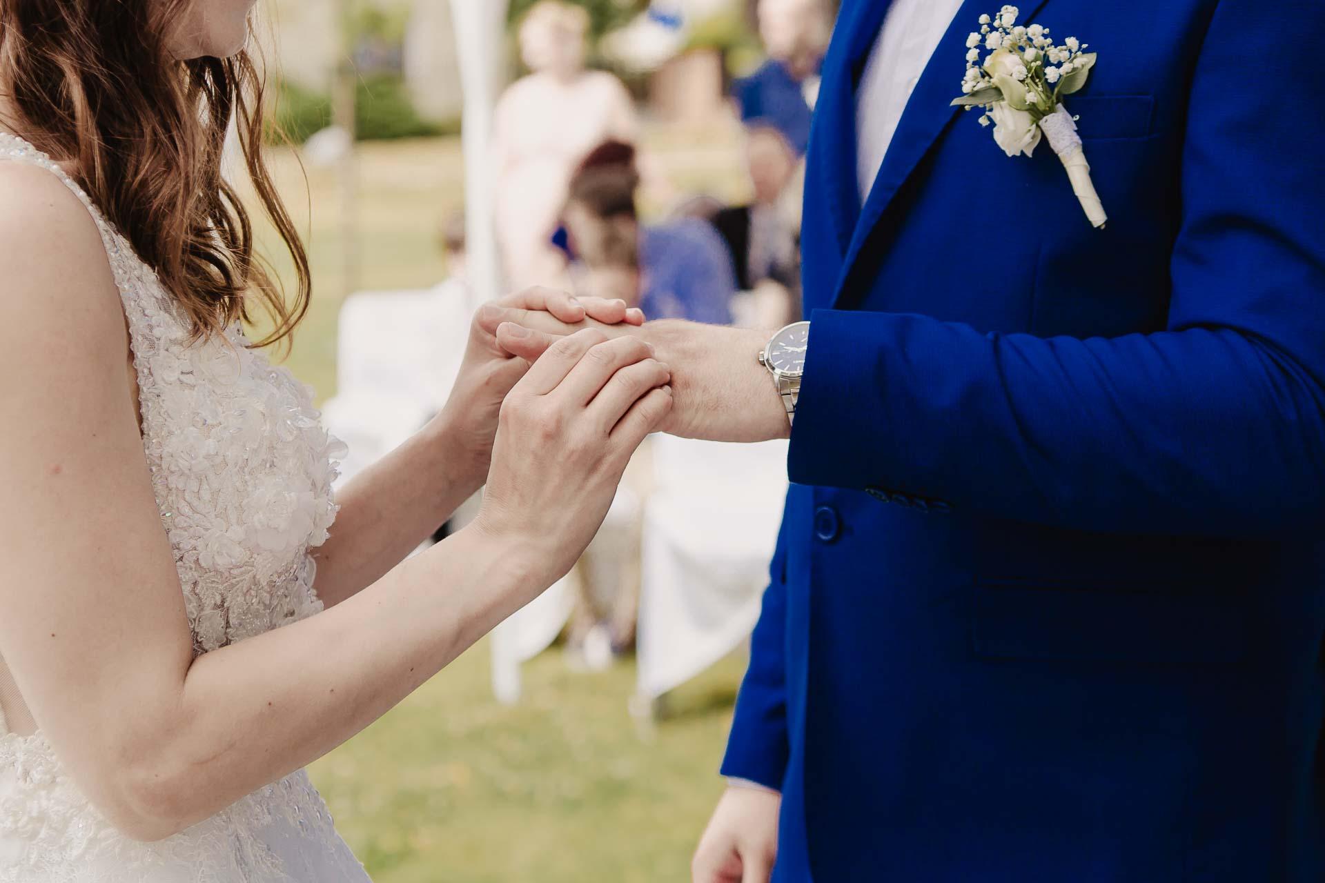 svatební fotograf Kochánky, cirkevní obřad, přírodní boho svatba-54