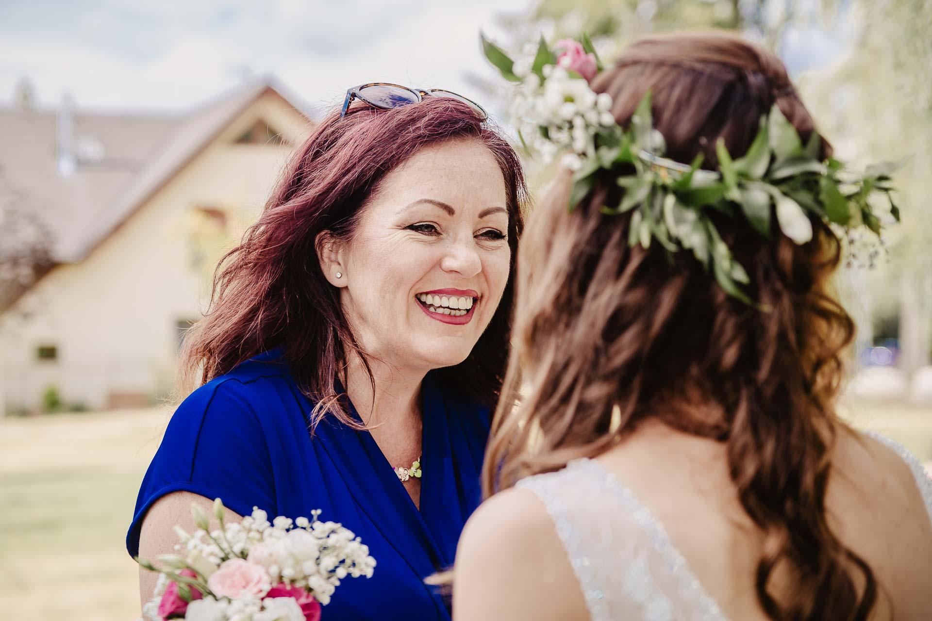 svatební fotograf Kochánky, cirkevní obřad, přírodní boho svatba-77