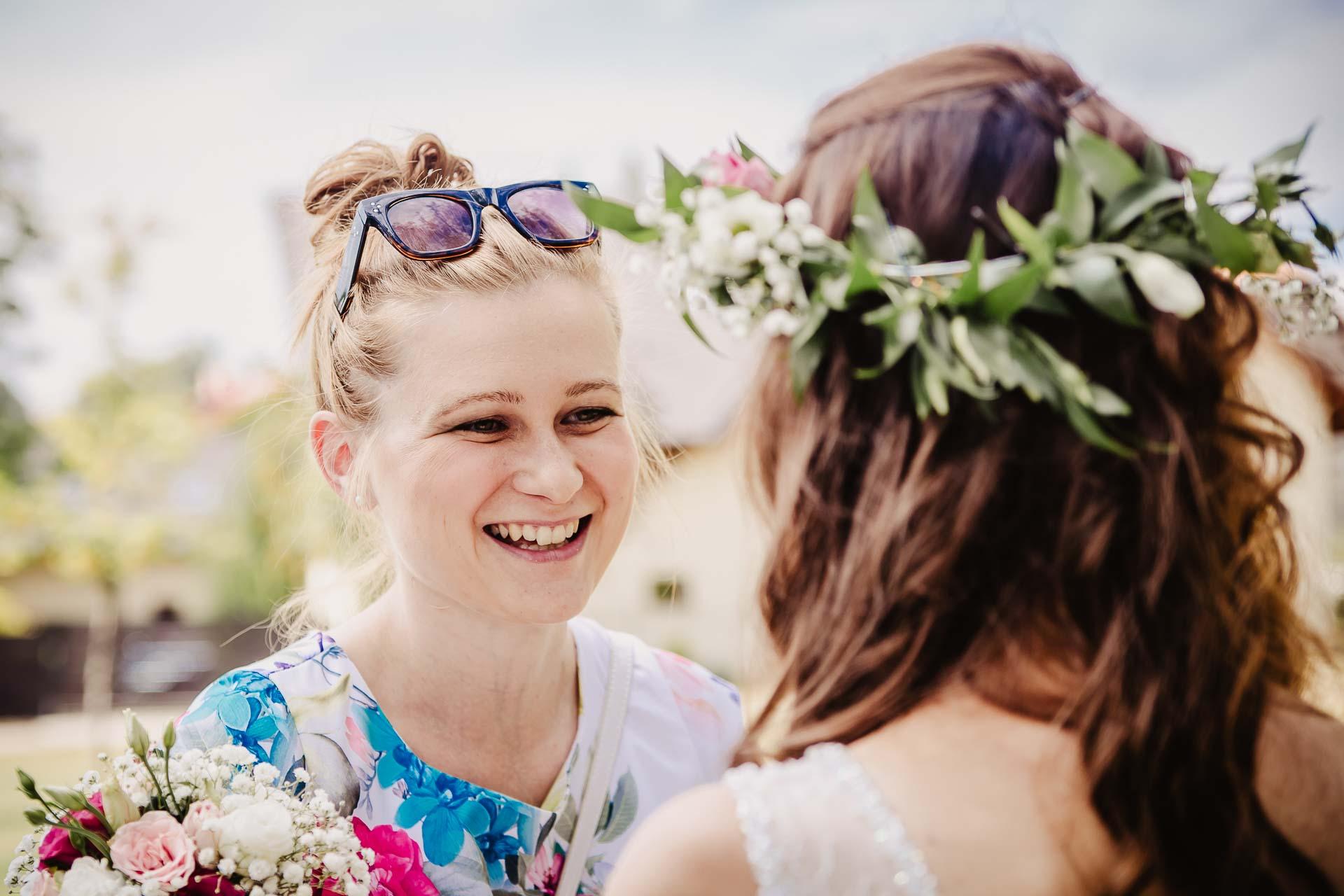 svatební fotograf Kochánky, cirkevní obřad, přírodní boho svatba-80