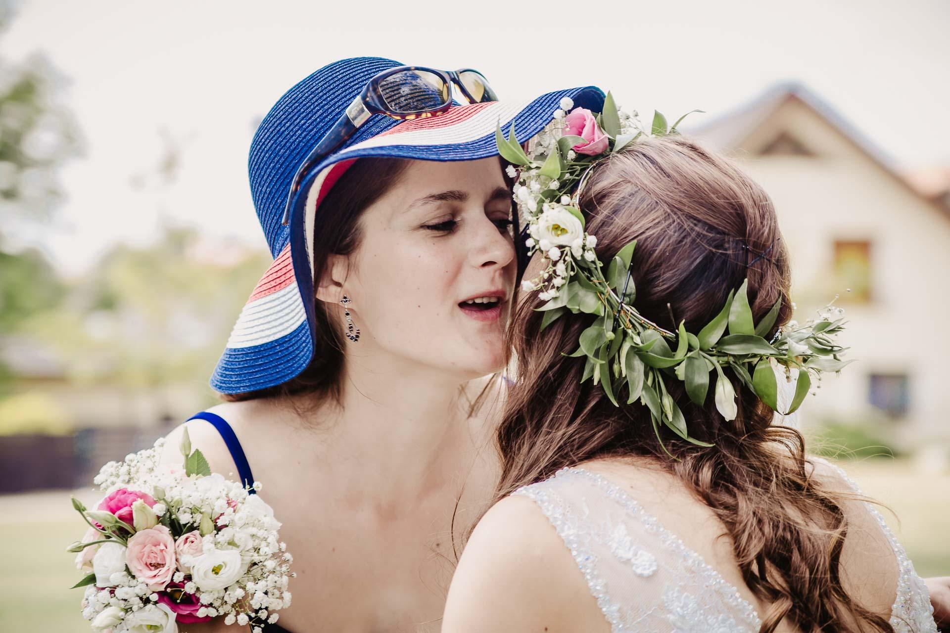 svatební fotograf Kochánky, cirkevní obřad, přírodní boho svatba-92