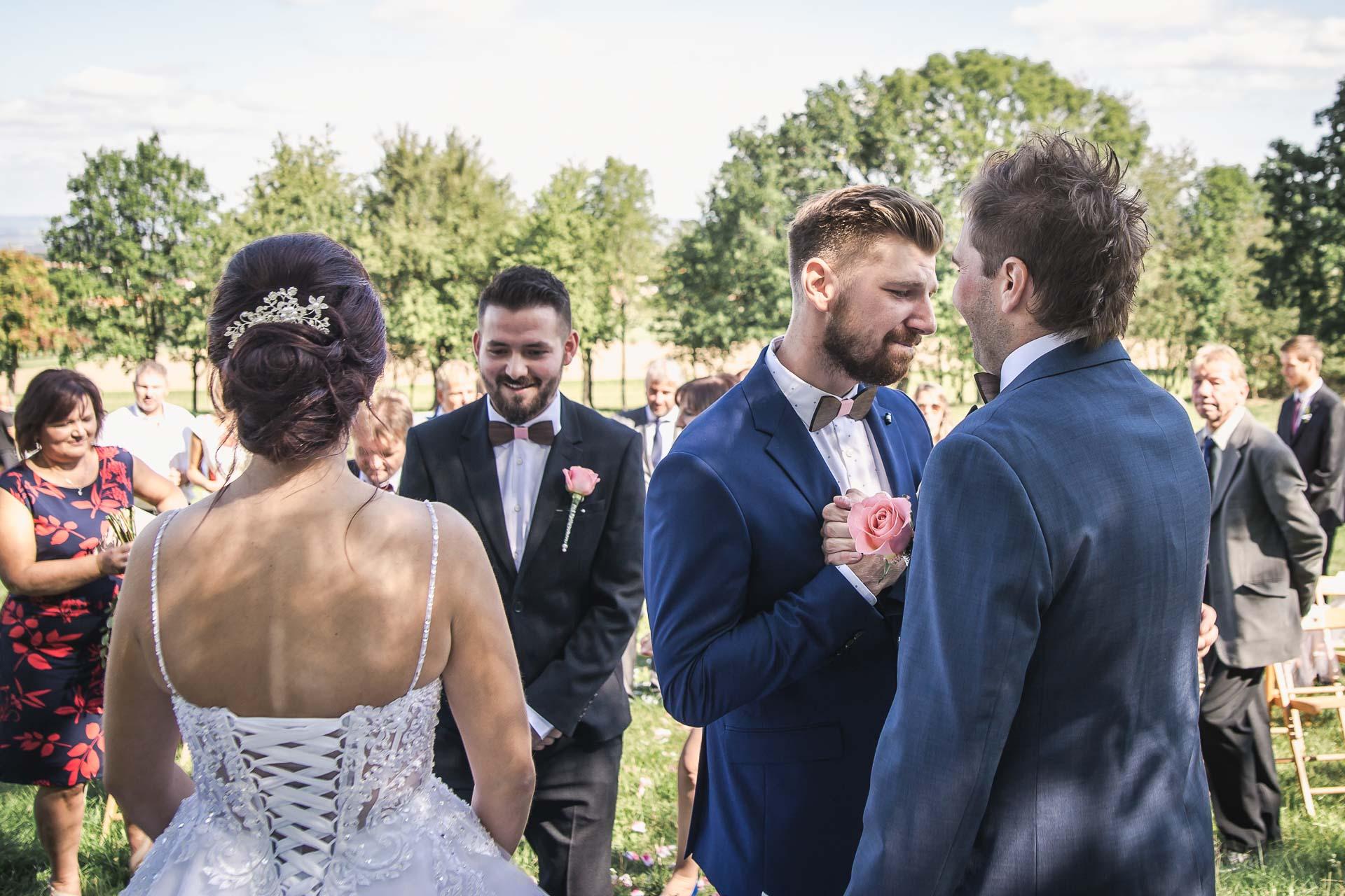 svatební-fotografie-Říp-svatební-video-ŘÍP-svatební-fotograf-ŘÍP-svatba-Mělník-svatba-Neratovice-fotograf-na-savtbu-kameraman-na-svatbu-125