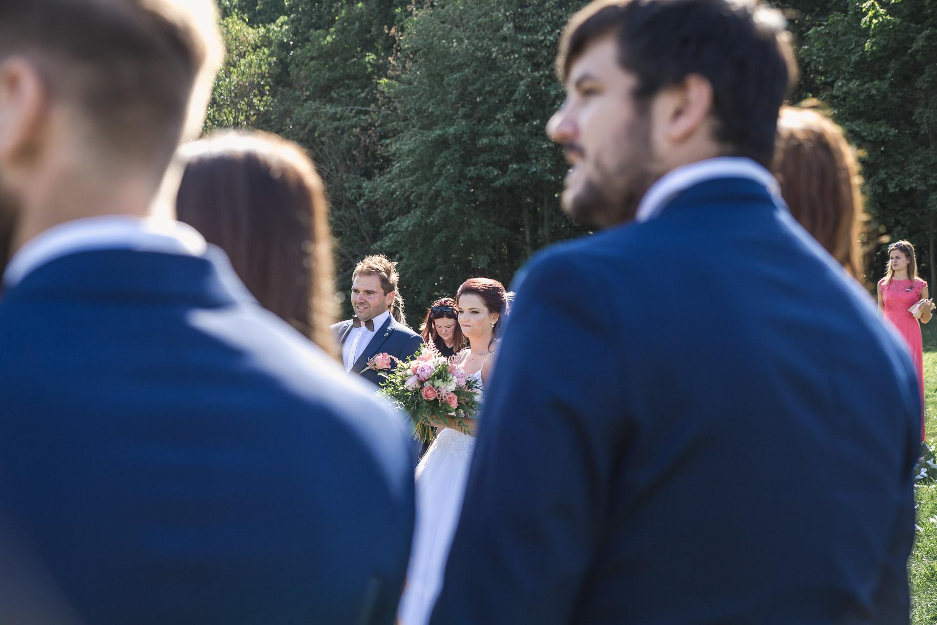 svatební-fotografie-Říp-svatební-video-ŘÍP-svatební-fotograf-ŘÍP-svatba-Mělník-svatba-Neratovice-fotograf-na-savtbu-kameraman-na-svatbu-160