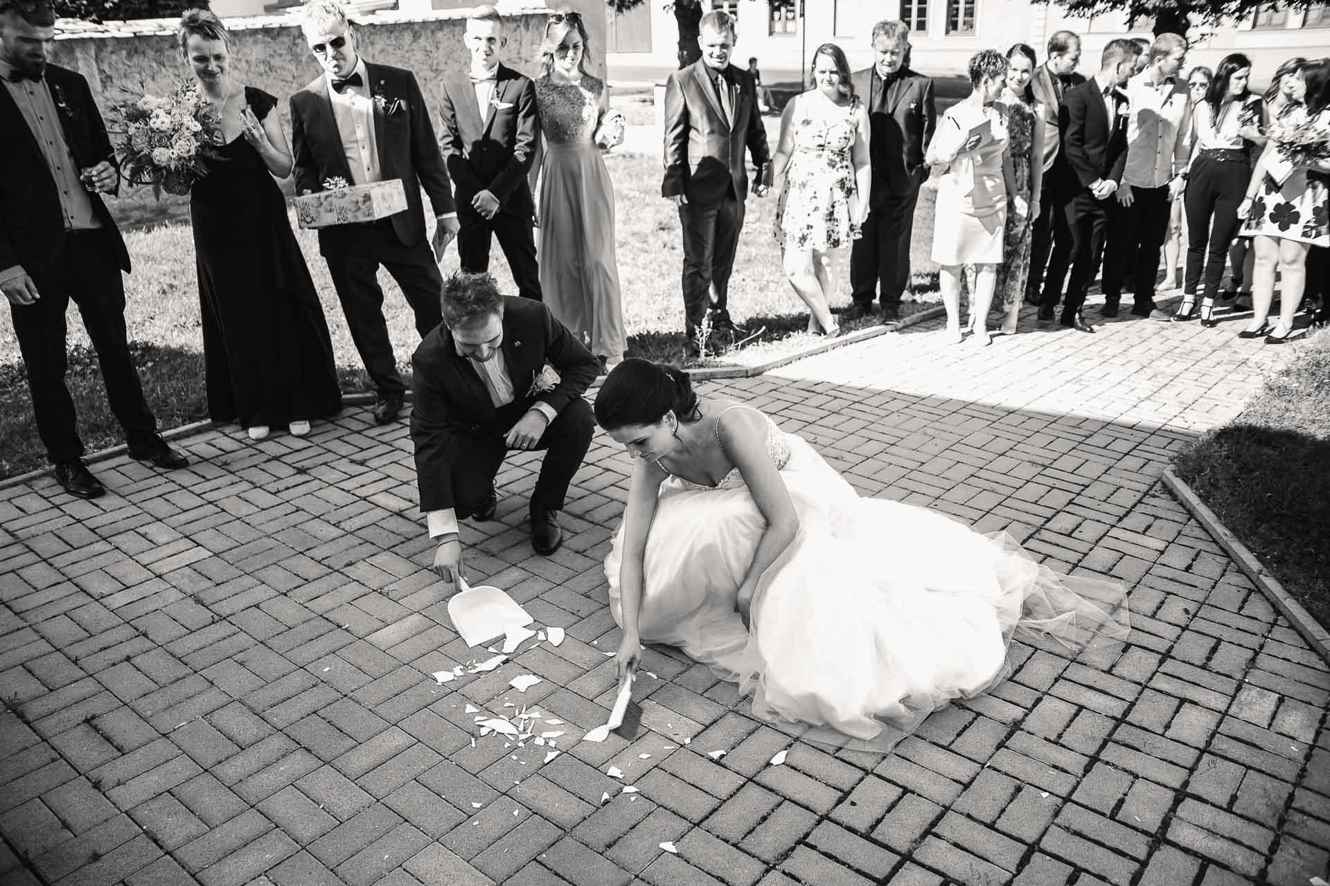 svatební-fotografie-Říp-svatební-video-ŘÍP-svatební-fotograf-ŘÍP-svatba-Mělník-svatba-Neratovice-fotograf-na-savtbu-kameraman-na-svatbu-225