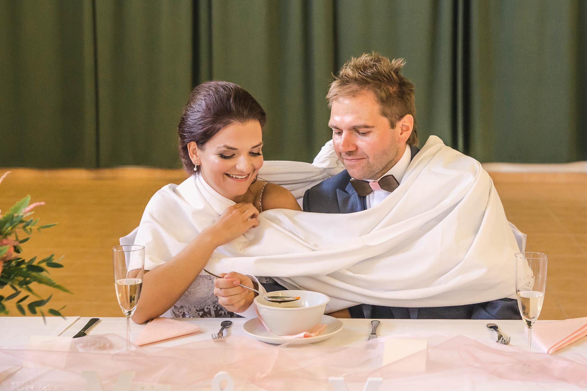 svatební-fotografie-Říp-svatební-video-ŘÍP-svatební-fotograf-ŘÍP-svatba-Mělník-svatba-Neratovice-fotograf-na-savtbu-kameraman-na-svatbu-258