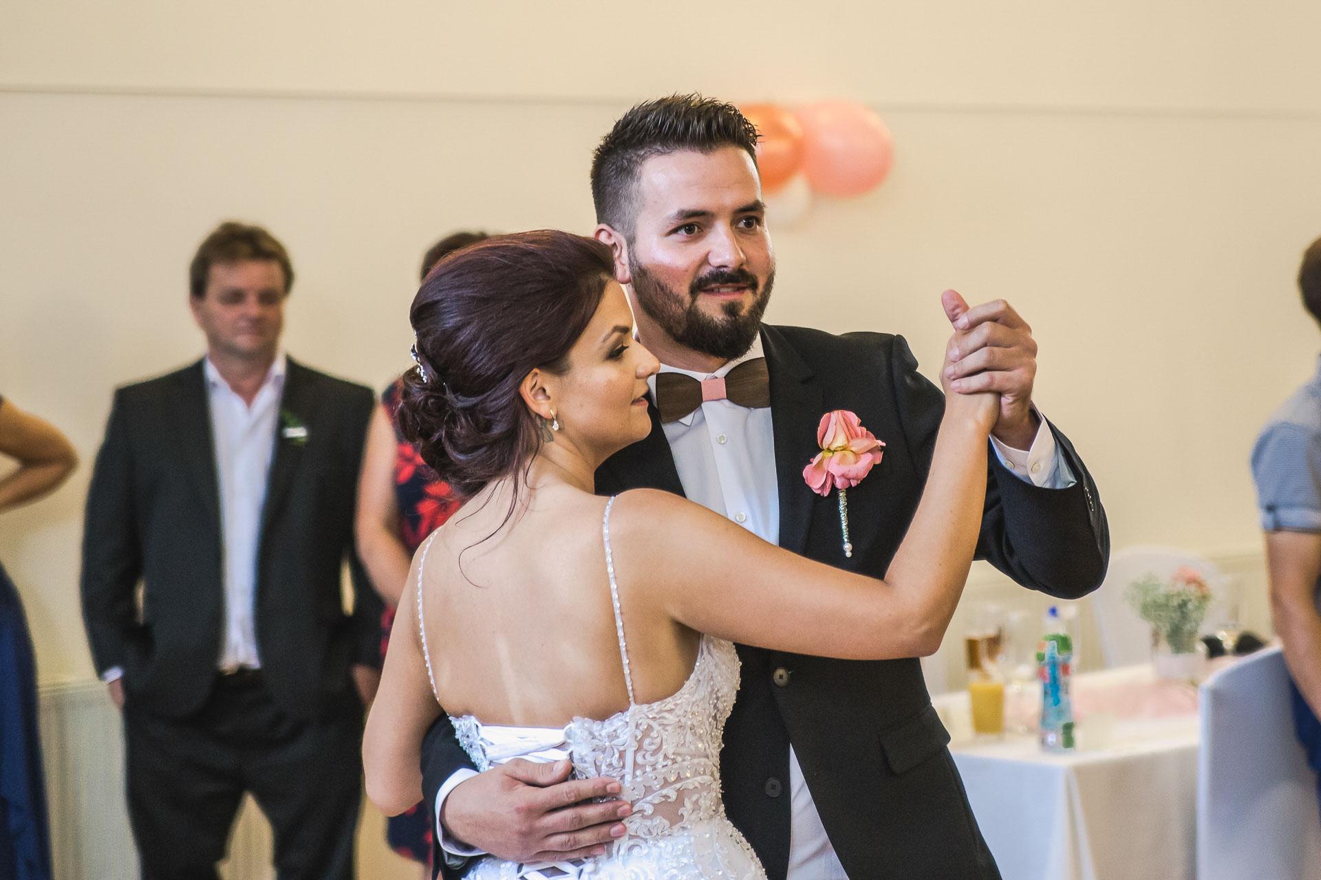 svatební-fotografie-Říp-svatební-video-ŘÍP-svatební-fotograf-ŘÍP-svatba-Mělník-svatba-Neratovice-fotograf-na-savtbu-kameraman-na-svatbu-277