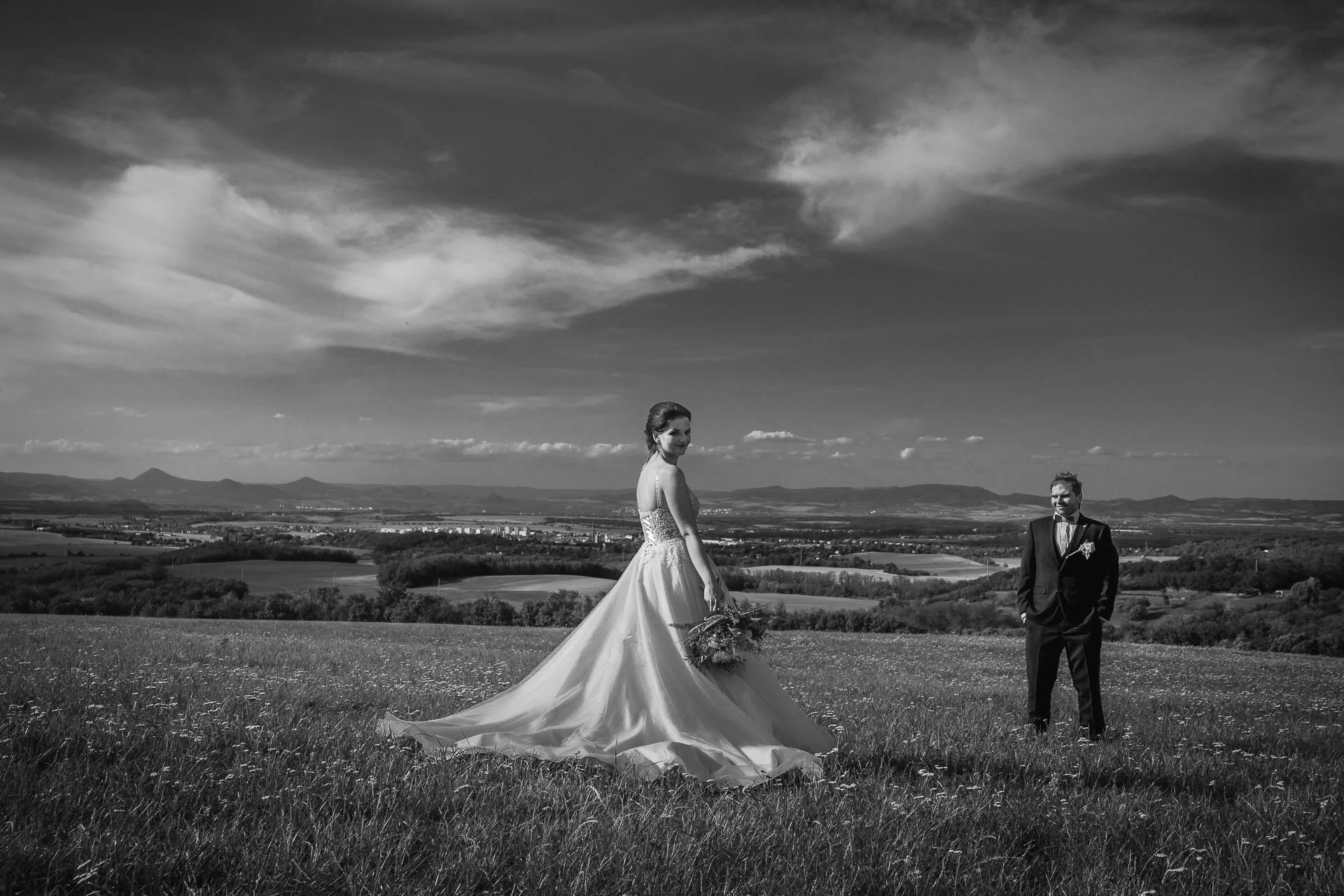 svatební-fotografie-Říp-svatební-video-ŘÍP-svatební-fotograf-ŘÍP-svatba-Mělník-svatba-Neratovice-fotograf-na-savtbu-kameraman-na-svatbu-342