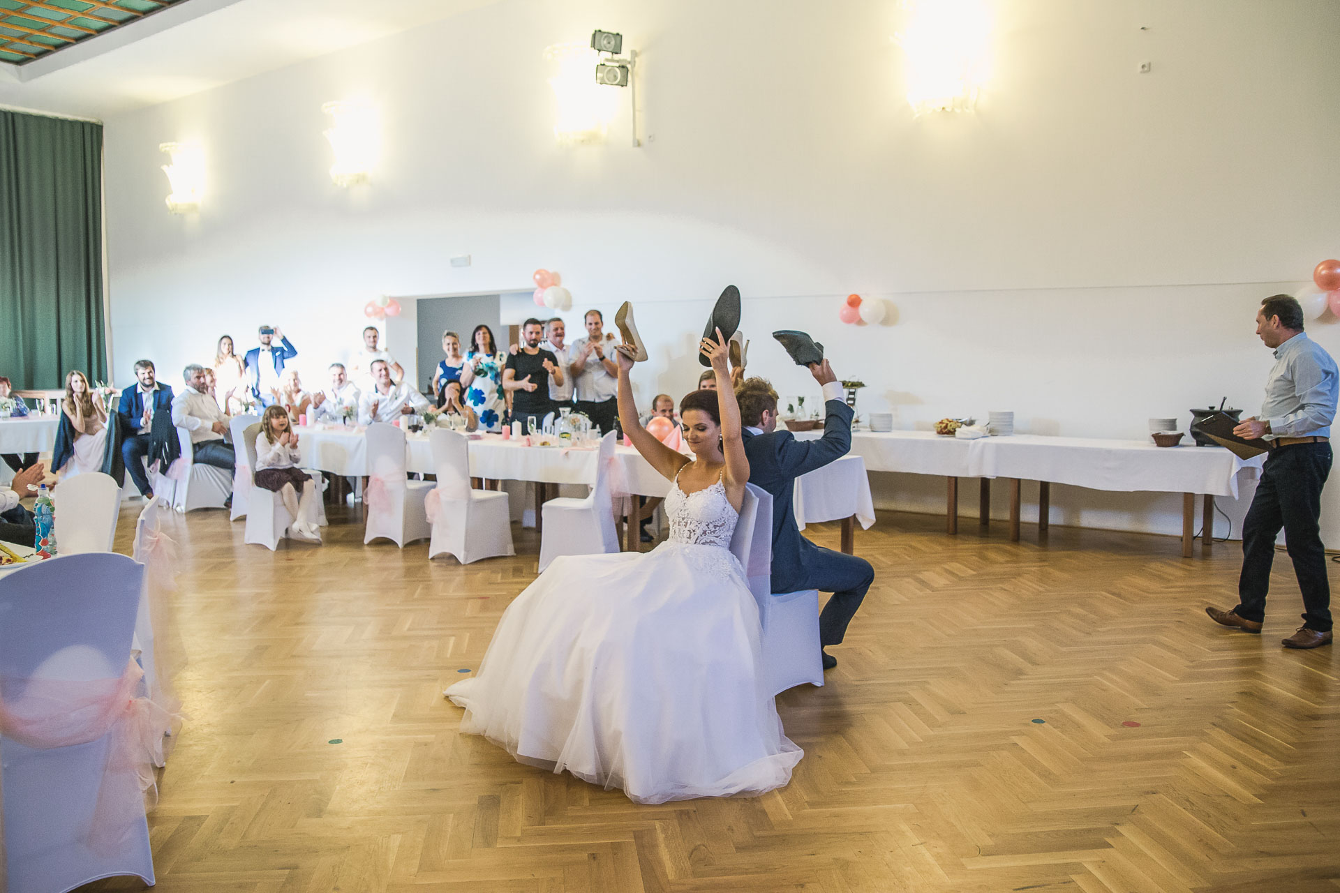 svatební-fotografie-Říp-svatební-video-ŘÍP-svatební-fotograf-ŘÍP-svatba-Mělník-svatba-Neratovice-fotograf-na-savtbu-kameraman-na-svatbu-396