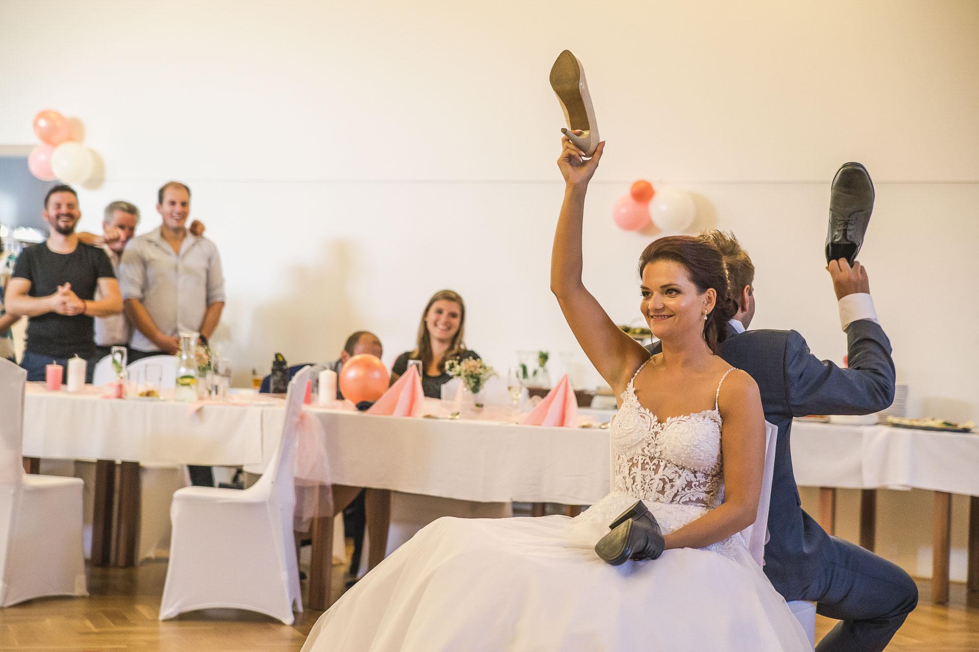 svatební-fotografie-Říp-svatební-video-ŘÍP-svatební-fotograf-ŘÍP-svatba-Mělník-svatba-Neratovice-fotograf-na-savtbu-kameraman-na-svatbu-407