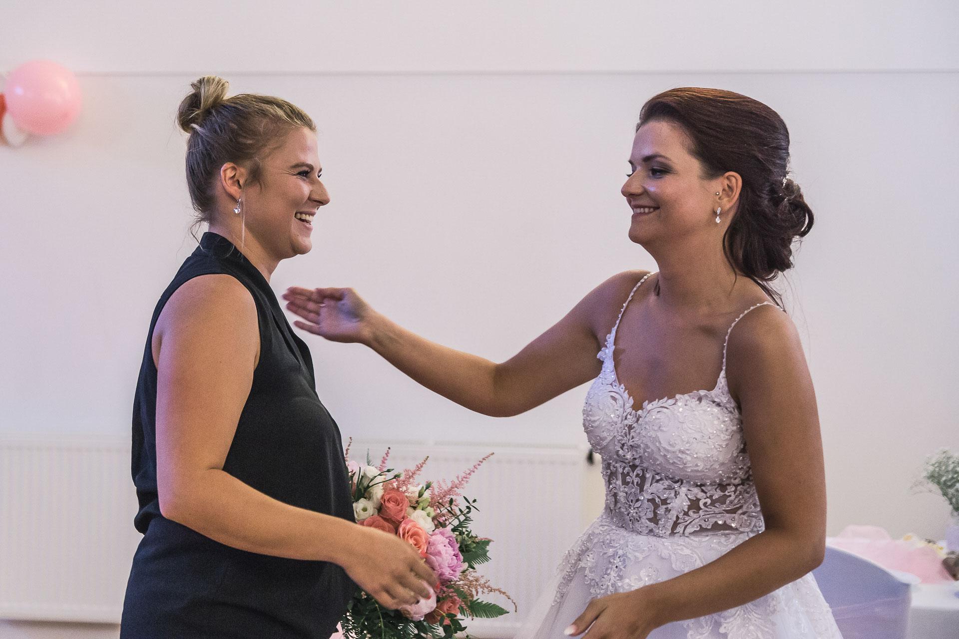svatební-fotografie-Říp-svatební-video-ŘÍP-svatební-fotograf-ŘÍP-svatba-Mělník-svatba-Neratovice-fotograf-na-savtbu-kameraman-na-svatbu-423