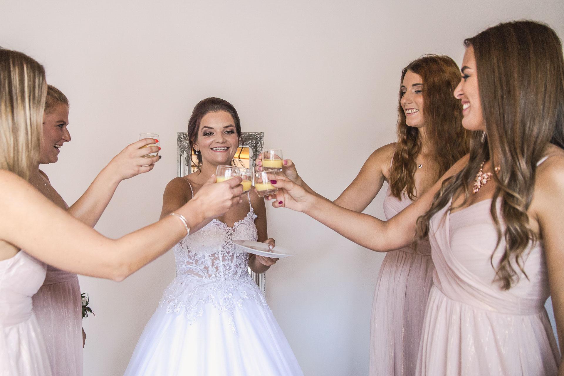svatební-fotografie-Říp-svatební-video-ŘÍP-svatební-fotograf-ŘÍP-svatba-Mělník-svatba-Neratovice-fotograf-na-savtbu-kameraman-na-svatbu-52