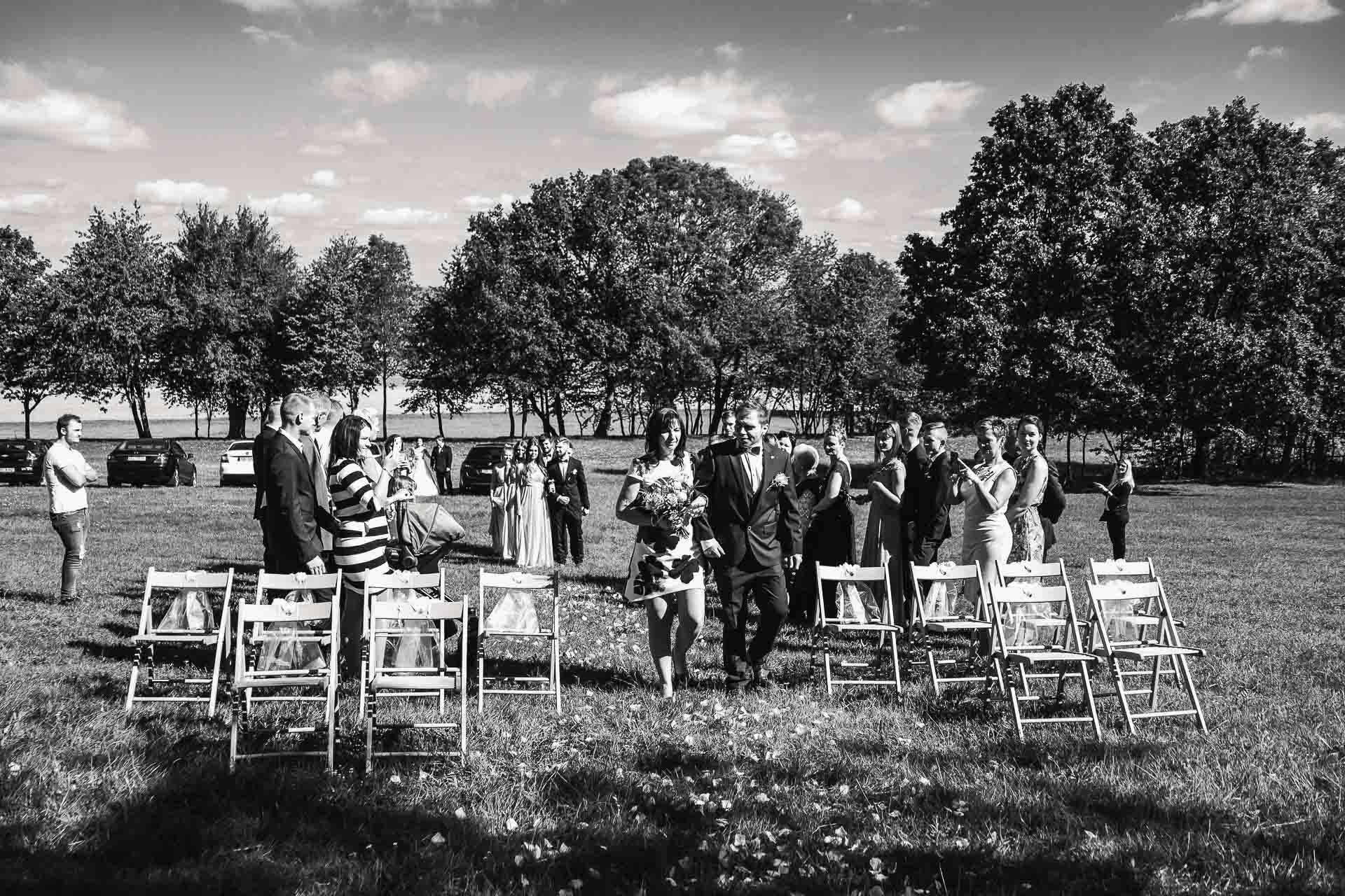 svatební-fotografie-Říp-svatební-video-ŘÍP-svatební-fotograf-ŘÍP-svatba-Mělník-svatba-Neratovice-fotograf-na-savtbu-kameraman-na-svatbu-77