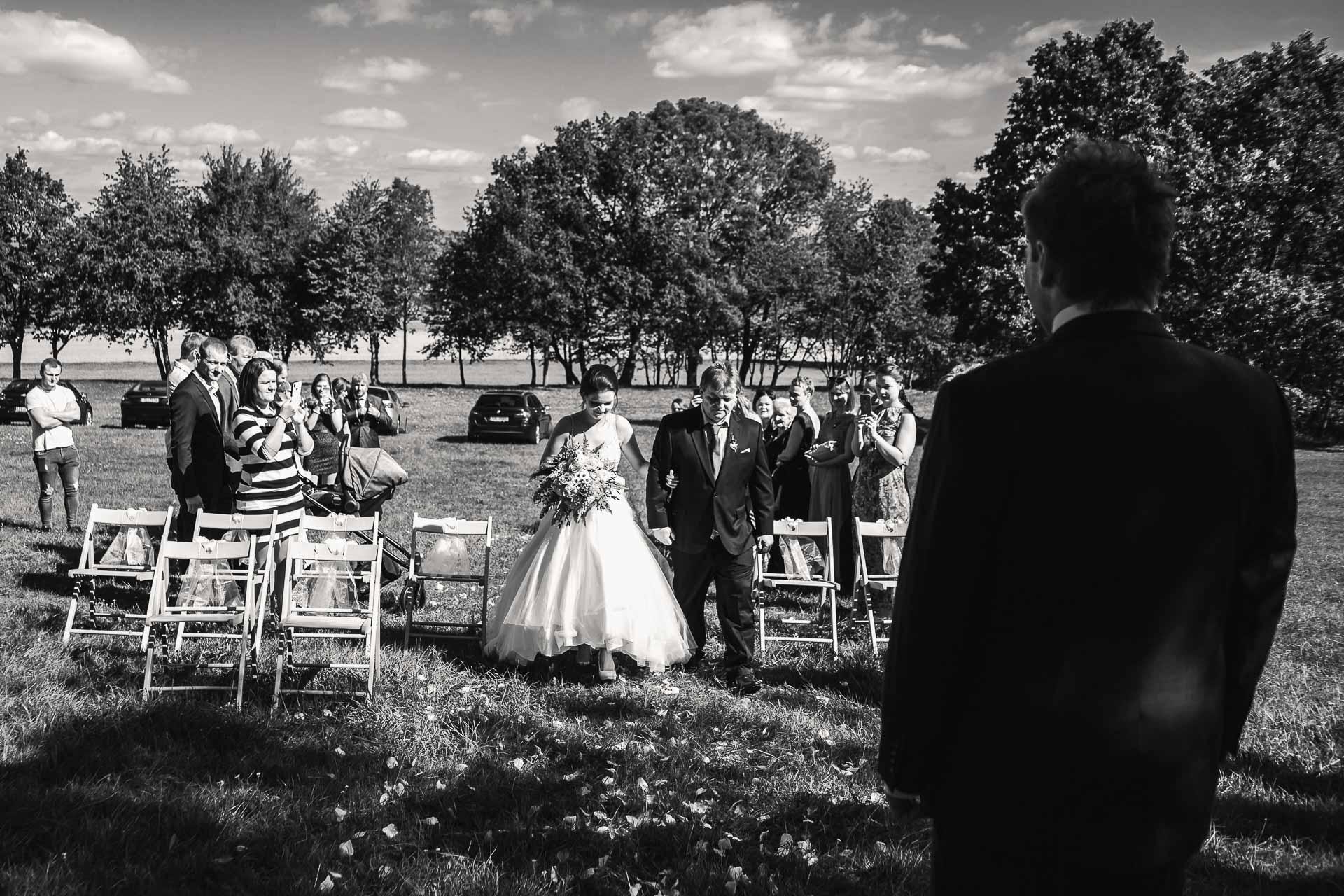 svatební-fotografie-Říp-svatební-video-ŘÍP-svatební-fotograf-ŘÍP-svatba-Mělník-svatba-Neratovice-fotograf-na-savtbu-kameraman-na-svatbu-87