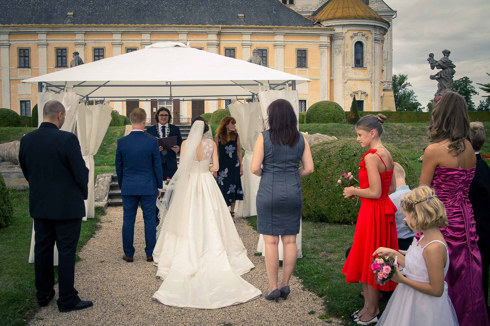 1_příprava-svatebního-obřadu-Lysá-nad-Labem-svatební-agentura-Svatbavenku-4