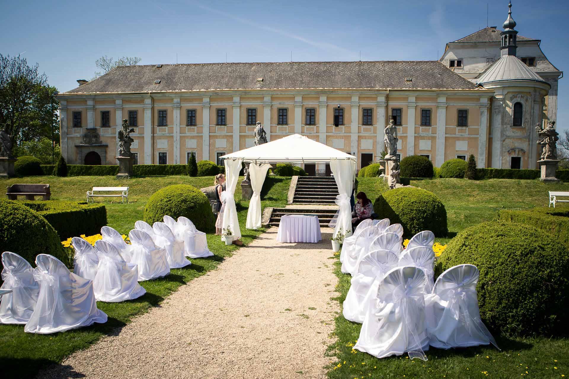 příprava-svatebního-obřadu-Lysá-nad-Labem-svatební-agentura-Svatbavenku-9270