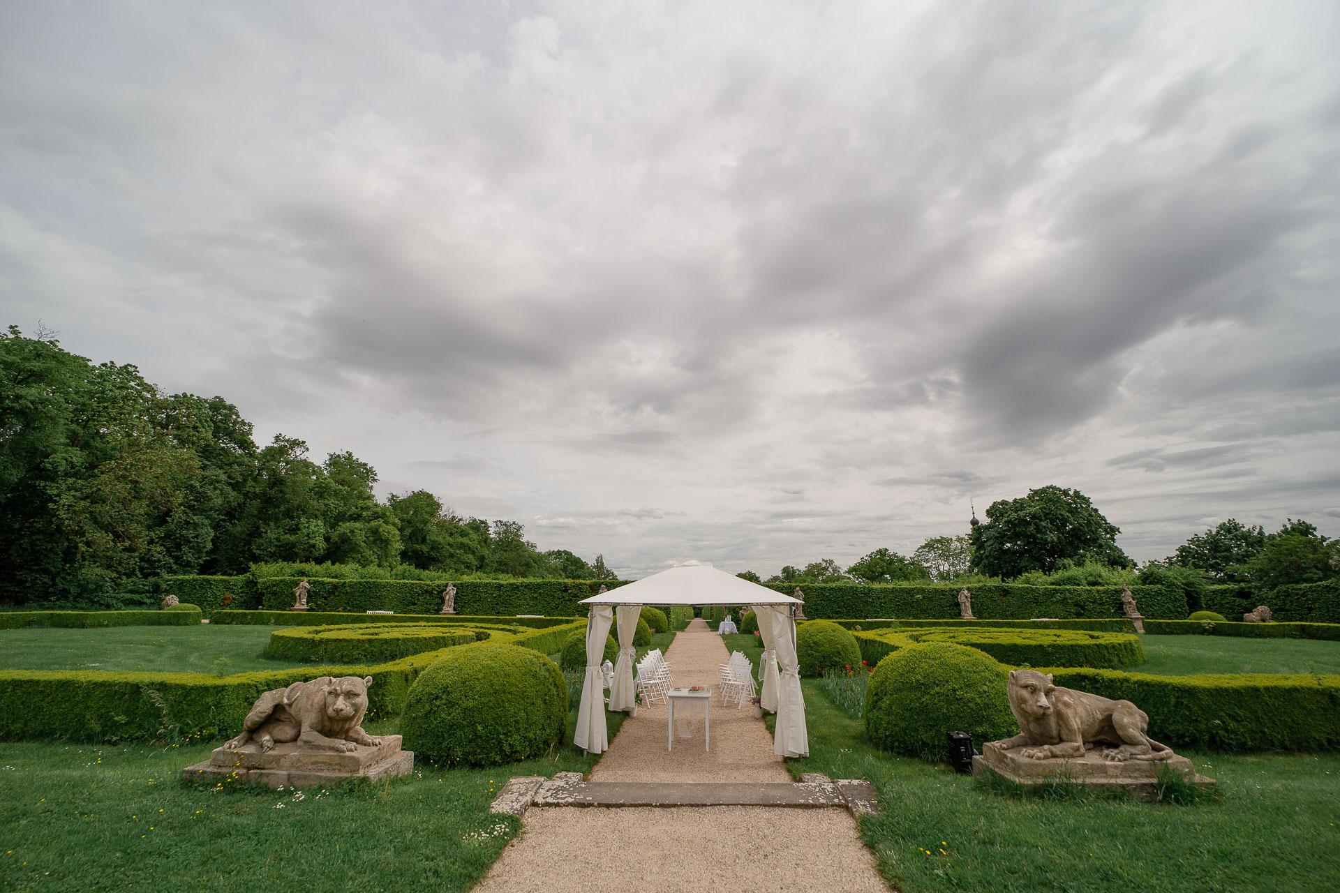 svatba-v-parku