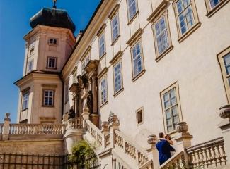 svatební fotograf zámek Mníšek pod Brdy, svatba na zámku, letní nejkrásnější zámecká svatba, Bára a Ondra-85