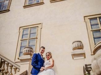 svatební fotograf zámek Mníšek pod Brdy, svatba na zámku, letní nejkrásnější zámecká svatba, Bára a Ondra-94
